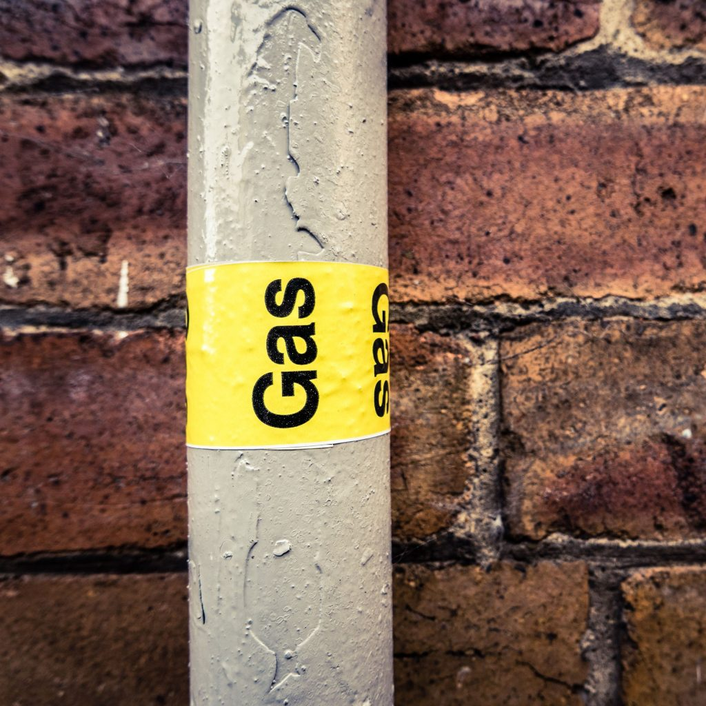 clearly labelled gas line for security